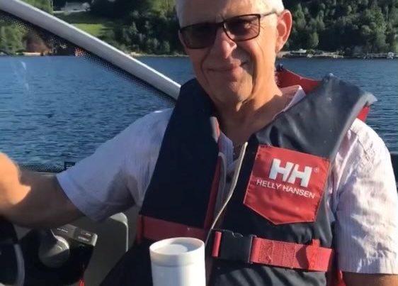 Arne Mæland i båten